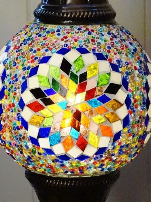 Snowflake Turkish mosaic table lamp close up